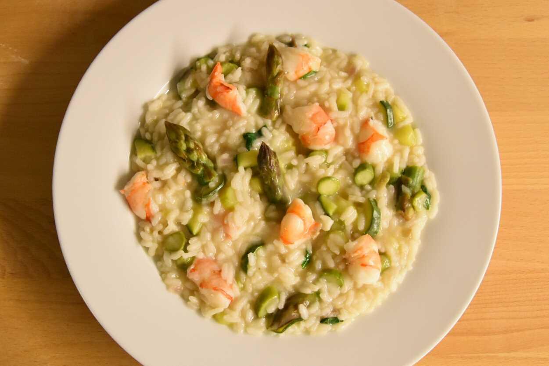 Risotto Asparagi Zucchine.Risotto Agli Asparagi Gamberi Zucchine E Basilico