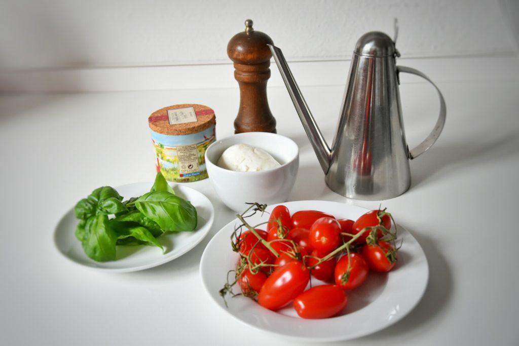 pomodoro mozzarella e basilico