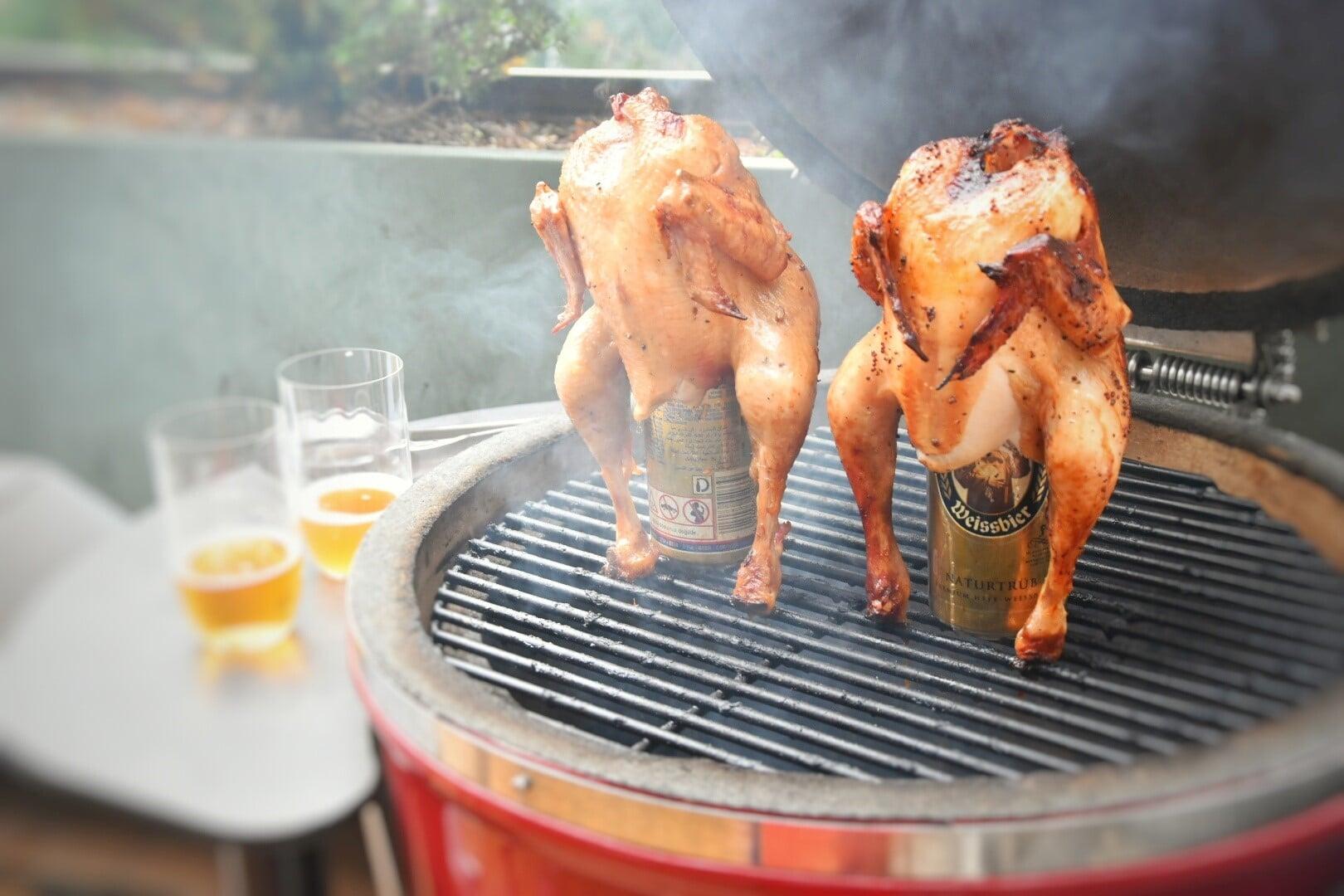 Beerbutt chicken, il pollo con la birra nel sedere