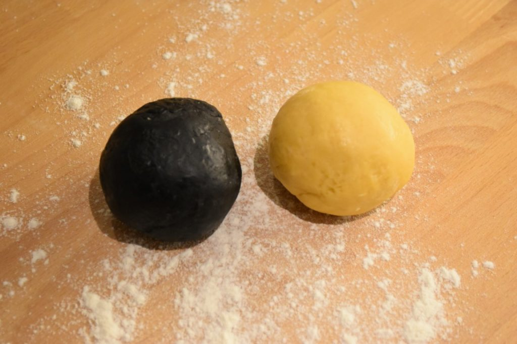 ravioli-bianchi-neri-ragu-di-astice-2