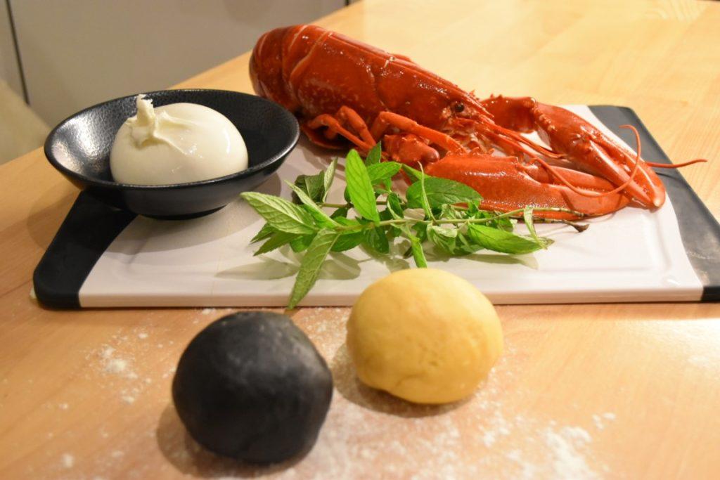 ravioli-bianchi-neri-ragu-di-astice-3