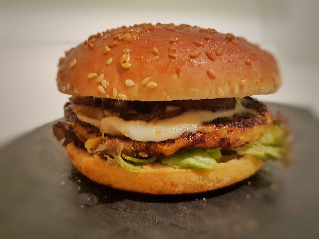 veggieburger di zucca e cipolla caramellata