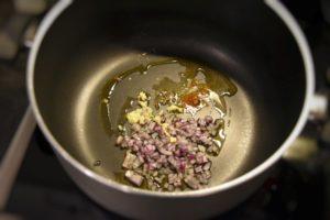 soffritto di scalogno, cumino, zenzero, curry