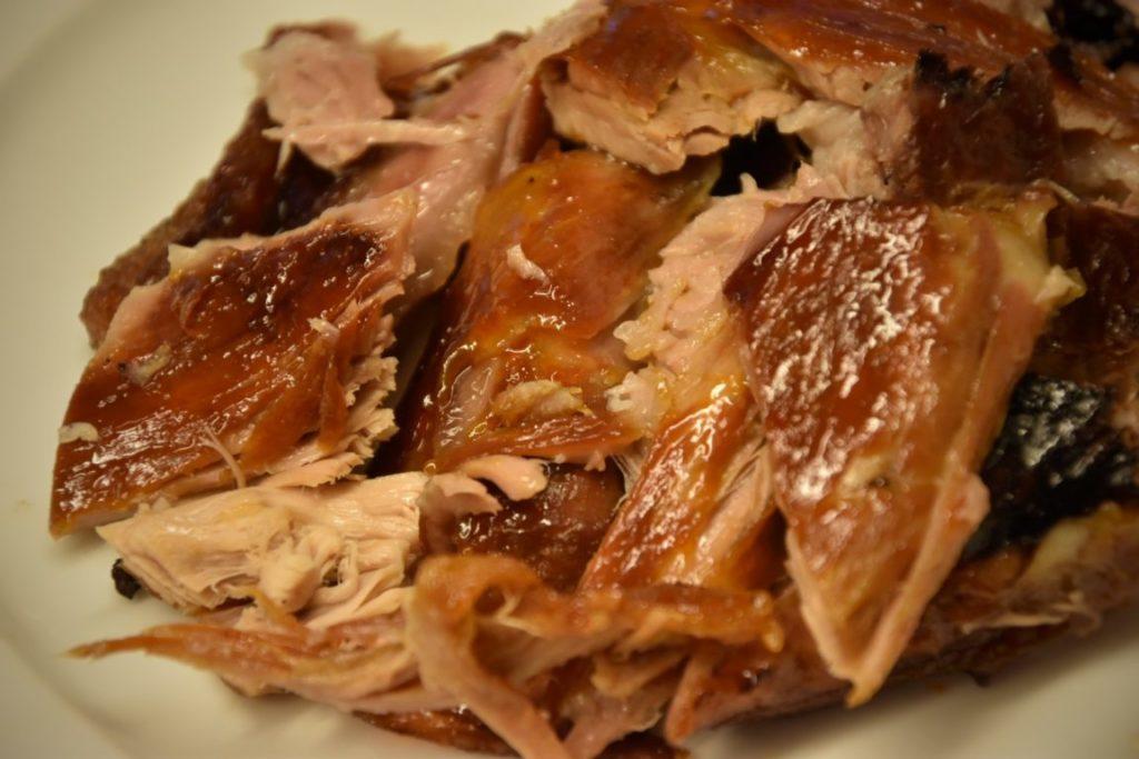 costine di maiale in crosta di sale con salsa BBQ
