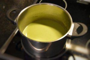 vellutata di asparagi e cipollotti filtrata