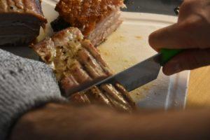 tagliare la pancia di maiale