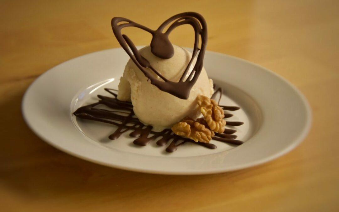 Coccole D'Amore – Il Gelato di San Valentino: Mascarpone, Cannella, Noci & Cioccolato