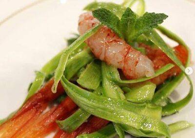 crazysimo7 - gamberi rossi, crudo e cotto di asparagi alla menta
